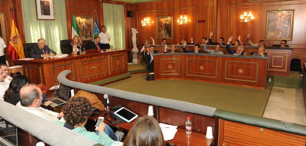 Marbella aprueba inicialmente el presupuesto de 2018 marcado por superar el techo de gasto