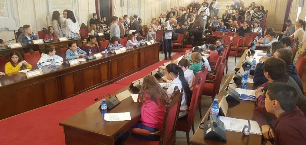 Los niños de Málaga piden que Chiquito de la Calzada sea hijo predilecto de la ciudad