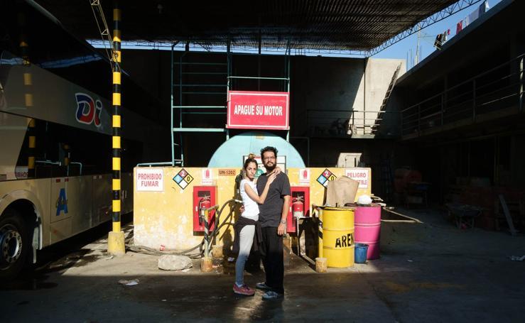 De Caracas a Lima: En la frontera: dos colas inauditas