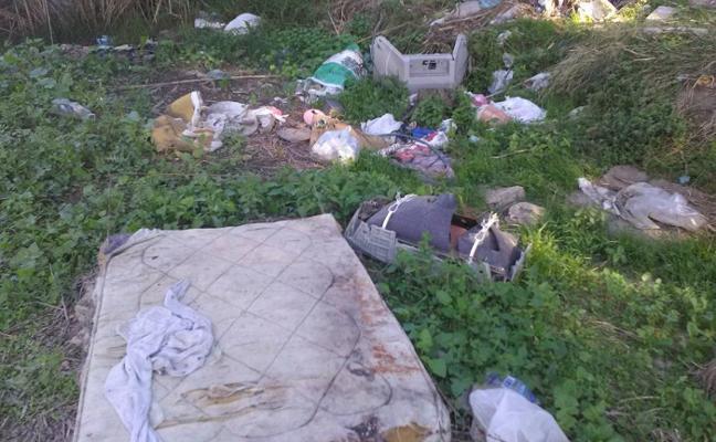 IU denuncia el estado de abandono del humedal del delta del río Vélez