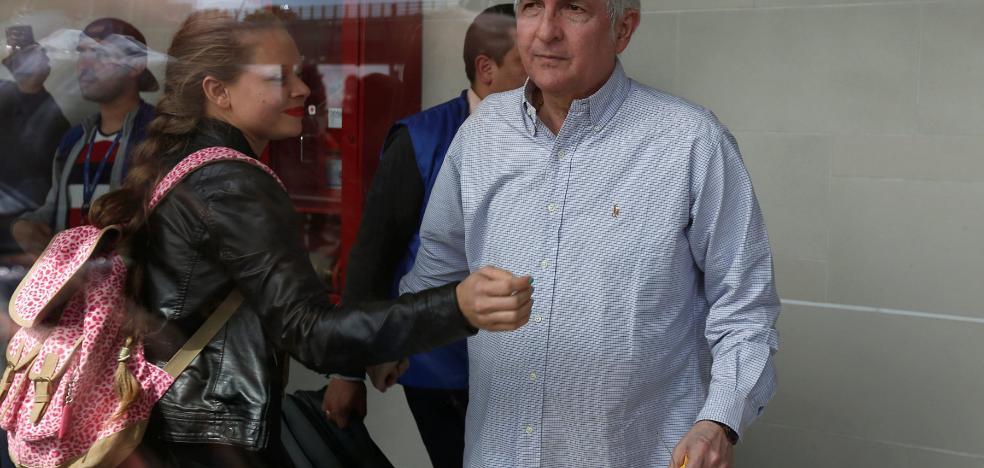 El opositor Antonio Ledezma huye de Venezuela rumbo a Madrid