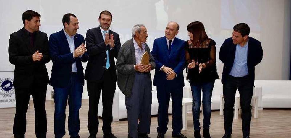500 profesionales se dan cita en Málaga en el congreso de actividad física para mayores