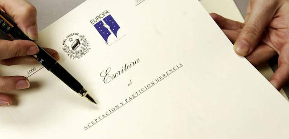 Málaga suaviza el requisito de la convivencia para bonificar las plusvalías por herencia