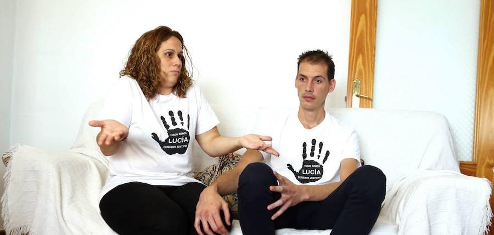 Los padres de Lucía piden que se investigue el cloroformo hallado cerca de la estación de Pizarra