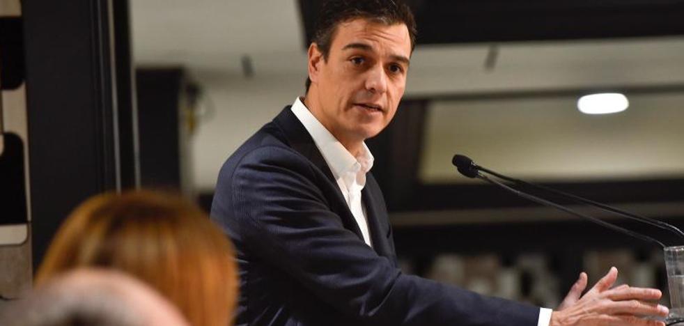 Sánchez apela a los moderados para crear una nueva España autonómica