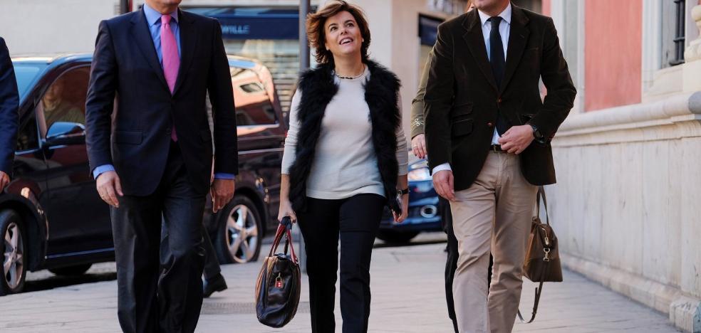 Santamaría pide a la Junta que no «enrede» porque no habrá pacto fiscal con Cataluña