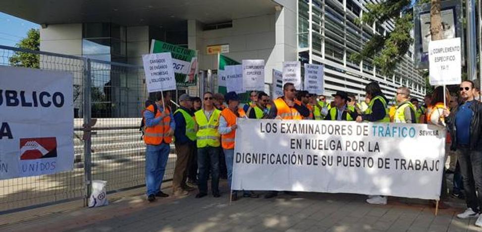 La DGT decreta servicios mínimos tras cinco meses de huelga de los examinadores