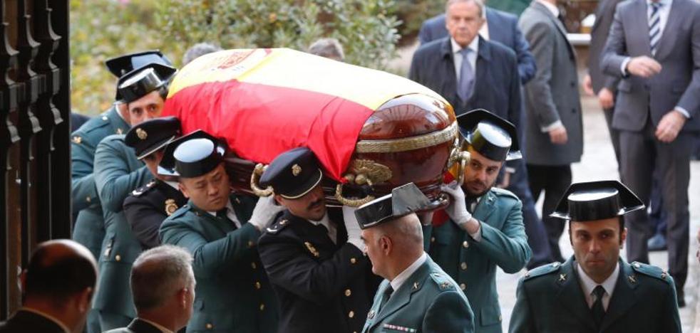 El Rey, el Gobierno y la cúpula judicial despiden a José Manuel Maza