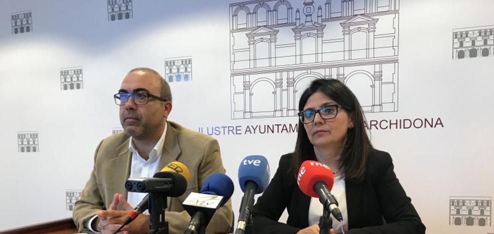 La alcaldesa de Archidona y los funcionarios piden que la cárcel sea inaugurada en la fecha prevista
