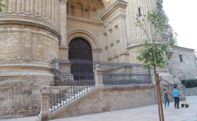 La Catedral, abierta al uso de una segunda puerta para las cofradías