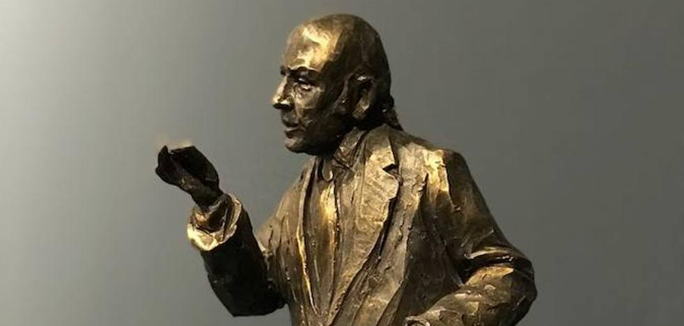 Proyectan una escultura de Chiquito de la Calzada en el pasaje de Chinitas