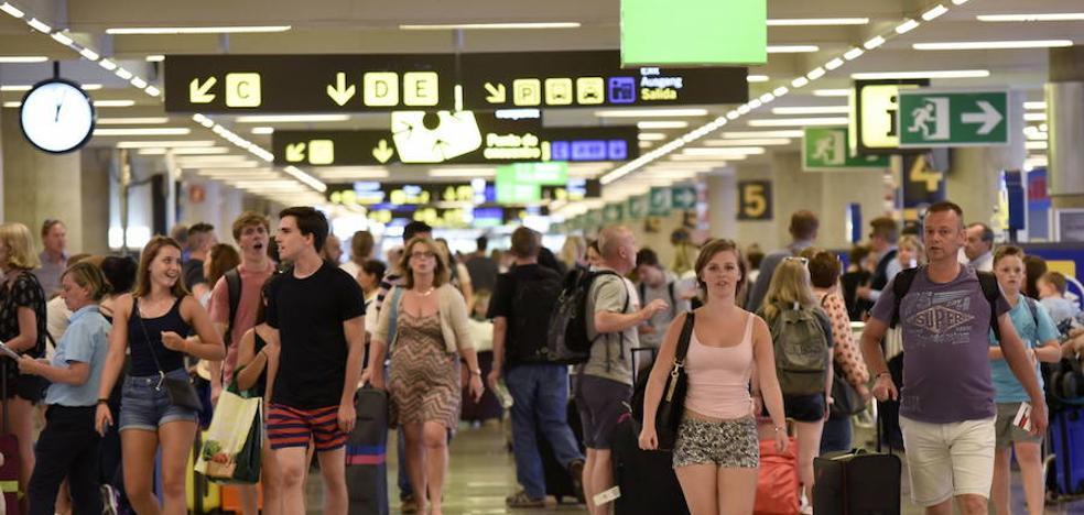 Málaga capital supera en octubre el volumen de turistas registrados en todo el pasado año