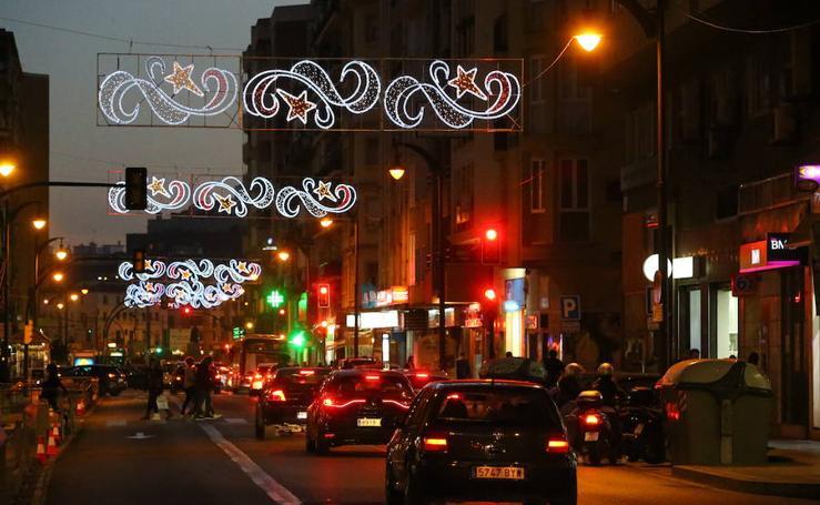 Las calles de Málaga se iluminan por Navidad