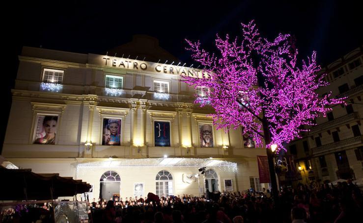 La coral de la ESAEM da la bienvenida a la Navidad en el Cervantes
