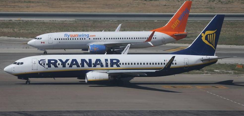 Ryanair busca tripulantes y Crystal Cruises ofrece 28 empleos para un nuevo barco