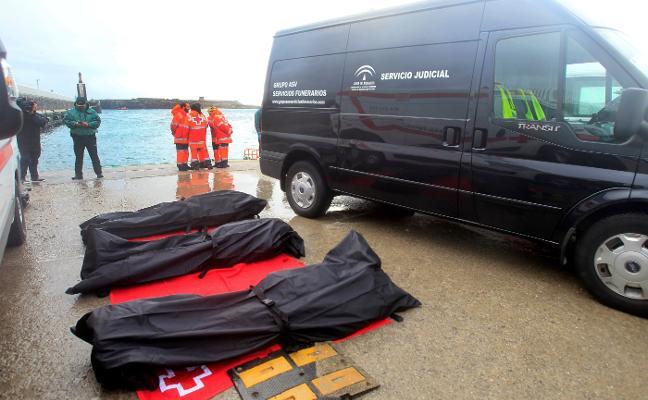 Nueva tragedia en el Estrecho con tres inmigrantes muertos al intentar llegar a Tarifa
