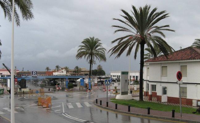 Herido muy grave un ciclista tras ser arrollado por un camión en Fuengirola