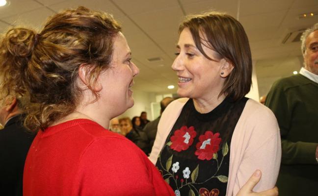 Isabel Aguilera arrebata por un voto el liderazgo del PSOE rondeño a la alcaldesa