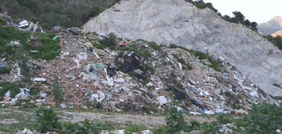 El edil de Medio Ambiente de Nerja dice que no supo de la ilegalidad del vertedero hasta agosto de 2016