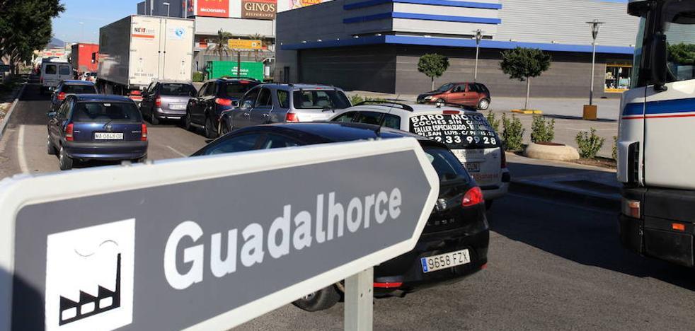 Una prueba piloto reordenará el tráfico en Azucarera-Guadalhorce y en el acceso al Málaga Nostrum