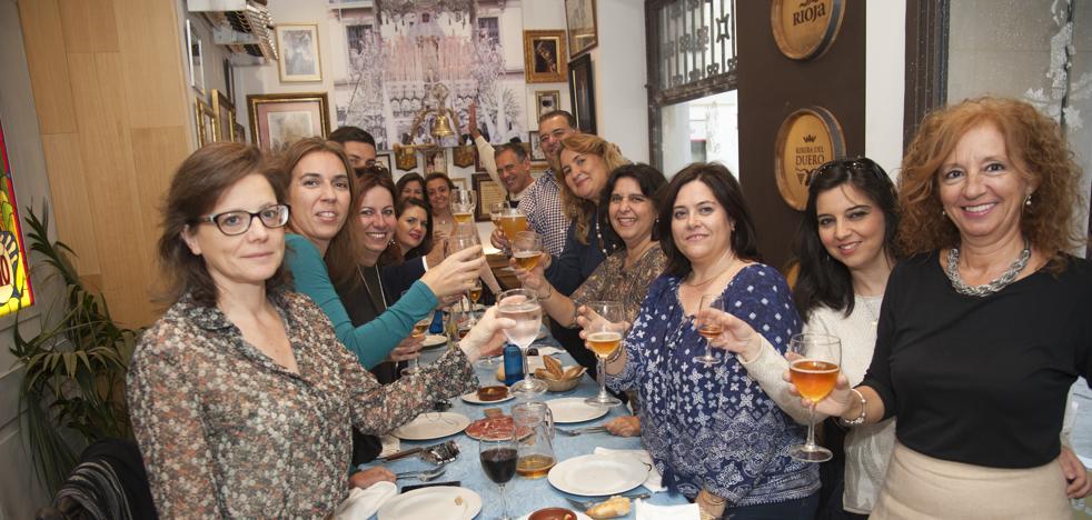 Conseguir una mesa para comidas de Navidad en el Centro de Málaga, misión imposible