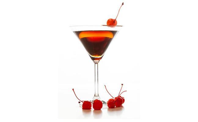 Disfrutar sin excesos del alcohol, ¿cuánto engorda una copa?
