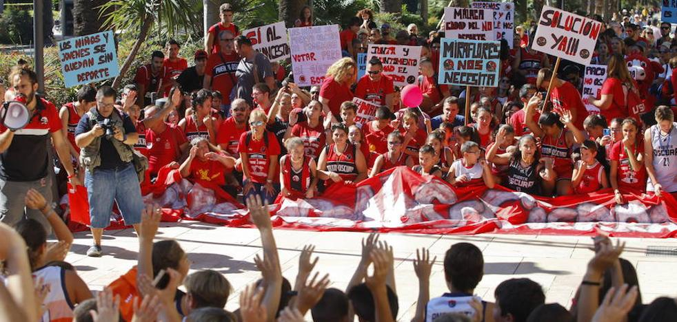 Los clubes suspenden 300 partidos y harán una gran protesta el sábado 16 contra el límite de horarios