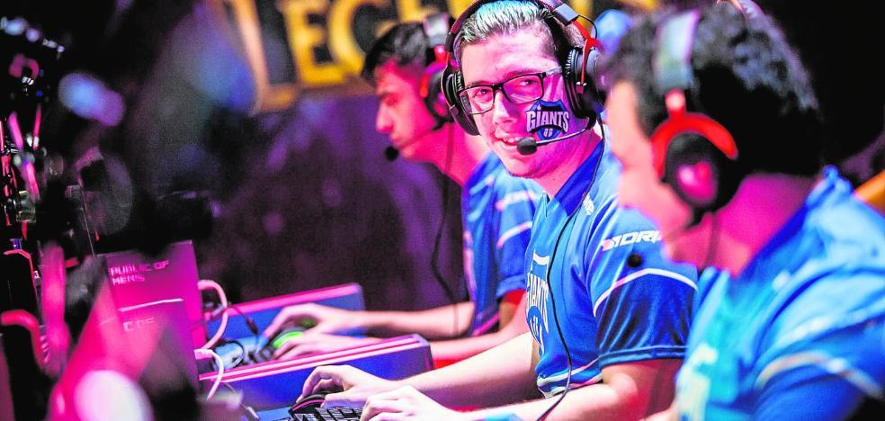 Tecnología y deporte se alían en el Trofeo Rector con los eSports