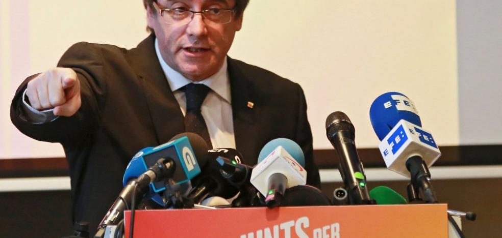 El juez desbarata la treta de Puigdemont para que el Supremo no pueda juzgarle por rebelión