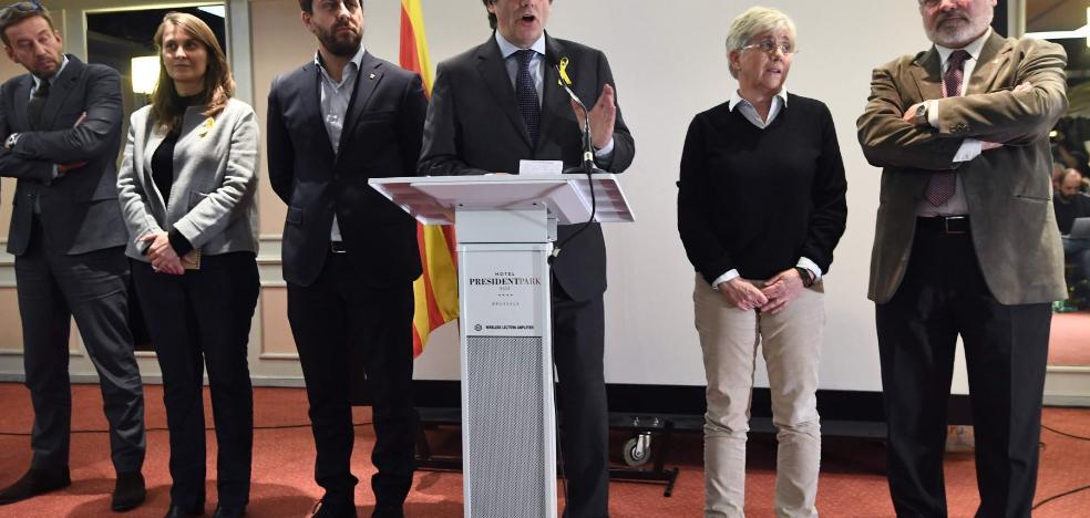 El expresidente catalán descarta volver si puede acabar detenido