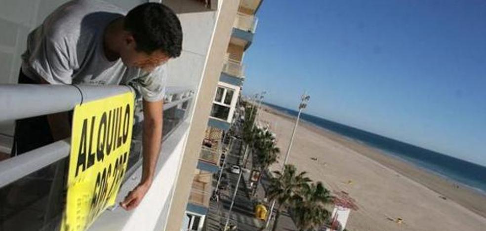 Las viviendas de alquiler vacacional se integran en órganos de decisión del turismo