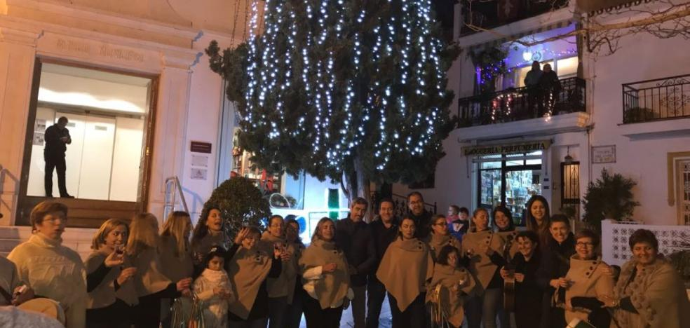 Benalmádena inaugura su alumbrado navideño