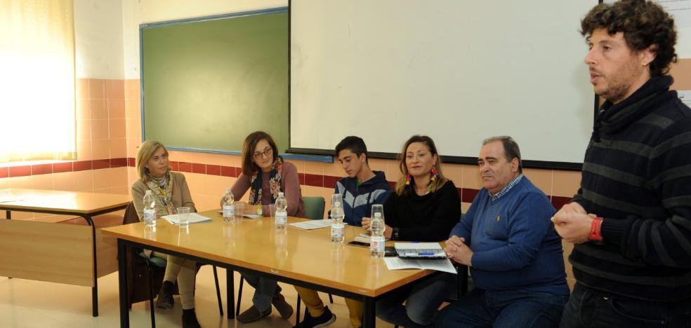 Debate político a cinco en el IES Bahía de Marbella