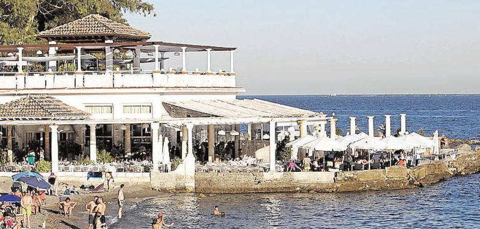 La Junta abre por primera vez la puerta a una solución negociada en los Baños del Carmen