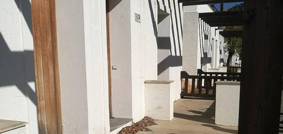 La Junta permitirá a Periana rehabilitar la Villa Turística cerrada desde hace 14 años