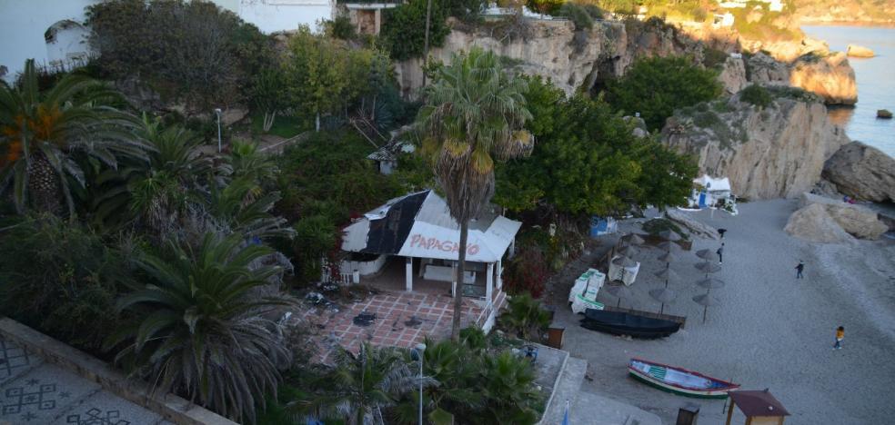 Nerja cierra la compra de una parcela en primera línea de playa por más de 950.000 euros