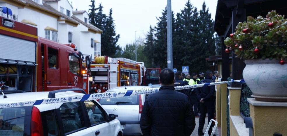 Un muerto y dos heridos en el incendio de una casa en Antequera