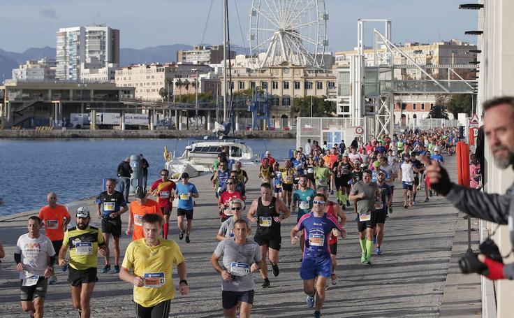 Las mejores imágenes del Zurich Maratón de Málaga 2017 (III)