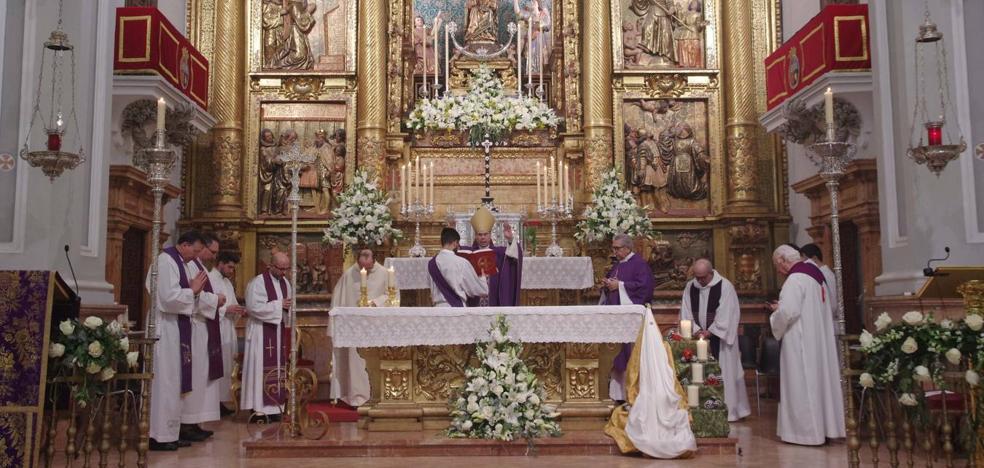El obispo preside la función por el 150º aniversario del patronazgo de la Virgen de la Victoria