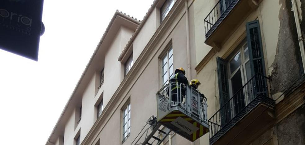 Desprendimientos en edificios y caídas de árboles en la provincia de Málaga
