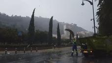 Vídeo de la virulencia del viento en Málaga este lunes