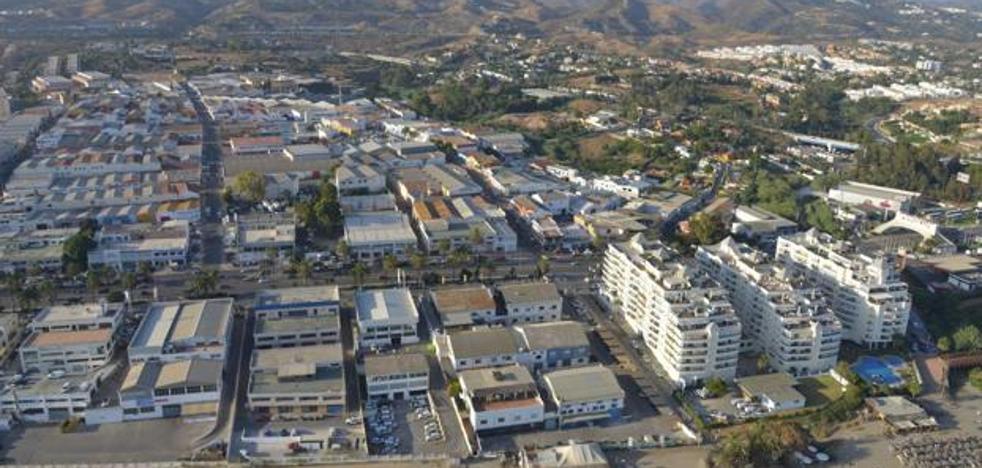 Detenidas cinco personas en Marbella por asaltar a un joven con un arma blanca para robarle