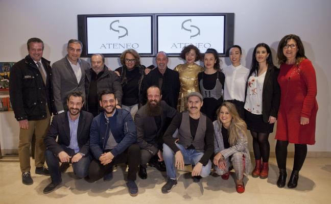 Fran Perea arrasa con 'Souvenir' en los premios Ateneo de Teatro
