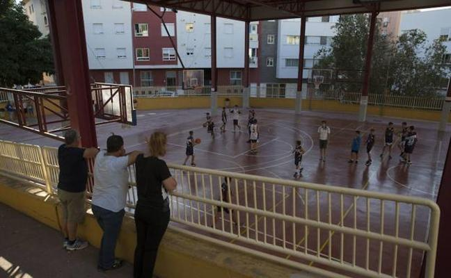 Los clubes de baloncesto de Málaga aplauden el acuerdo y suspenden la manifestación del sábado