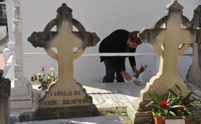 Mil euros por la mejor foto del cementerio de San Miguel