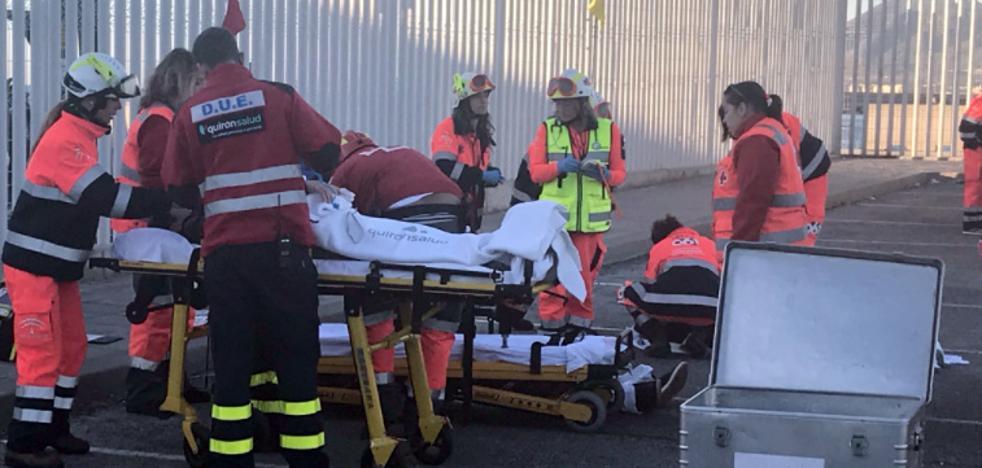 Más de 750 efectivos participan en un simulacro de accidente en las inmediaciones de la estación marítima de Málaga
