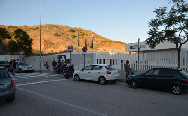 Educación investiga por qué una niña de tres años estuvo encerrada una mañana en un autobús escolar en Rincón