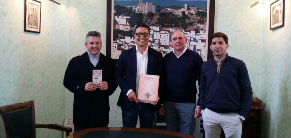 La compañía Avatel invertirá un millón de euros en instalar la fibra óptica en Casares