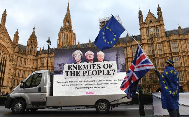 La Eurocámara marca el terreno a Londres