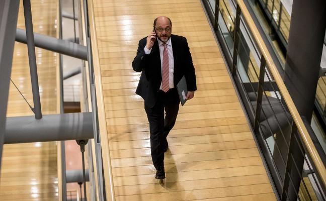 El SPD plantea alternativas al 'matrimonio forzado' con Merkel